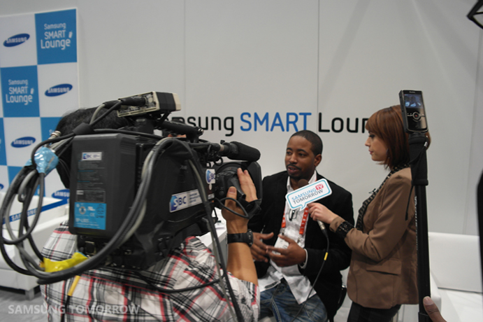 Broadcasting at the Smart Lounge
