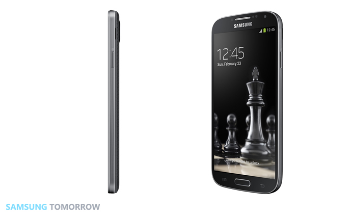 Samsung Unveils New Black Edition Galaxy S4 Side and tilted view