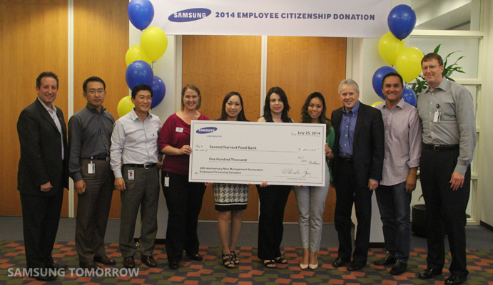 Samsung employees connect with the local community in for Americas second harvest