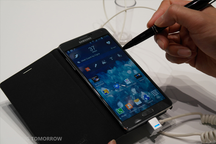 Montblanc-cover-and-writing-instrument-for-Galaxy-Note-4-at-IFA-2014.