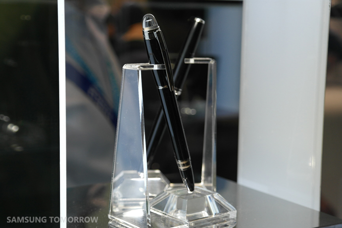 Montblanc-for-Galaxy-Note-4-at-IFA-2014