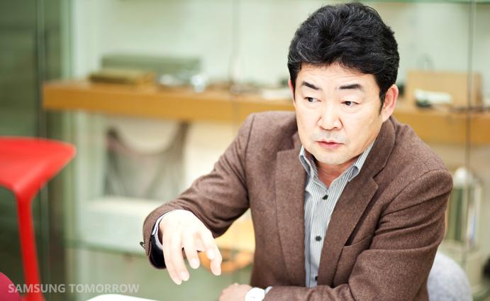 Youngjun Kim (President of SADI and Senior Vice President, Advanced Design Team of Corporate Design Center, Samsung Electronics)