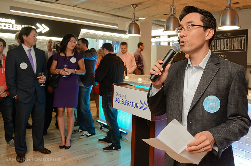 David Eun speaking at the opening of the New York Samsung Accelerator