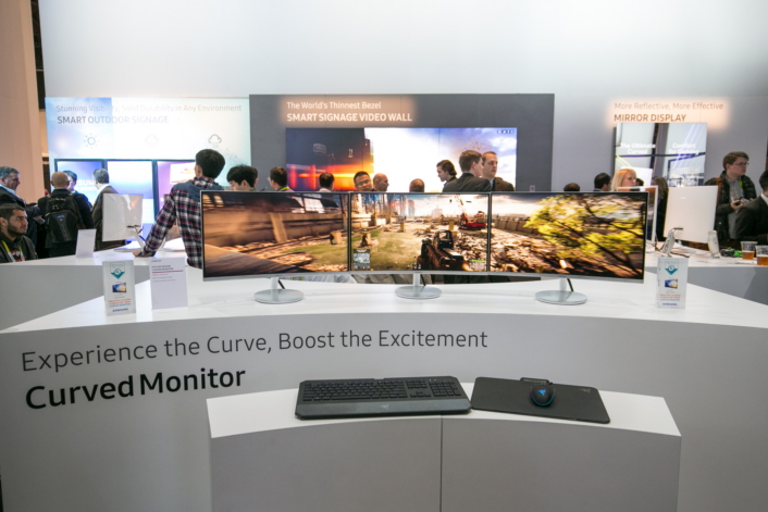 Curved-gaming-monitor-1_Main706