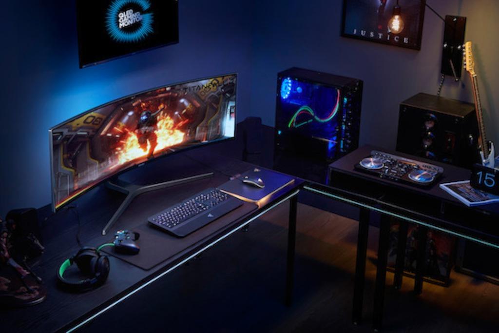 Samsung Lance Les Premiers Moniteurs De Gaming Hdr Qled Au