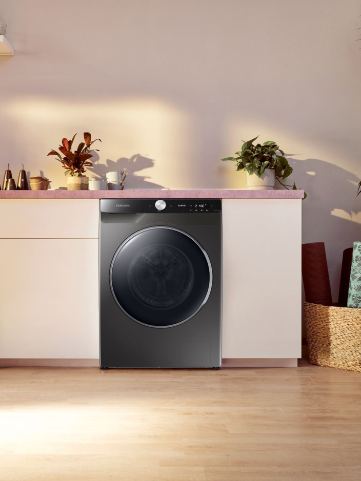 Lavadoras y secadoras que traen un panel digital moderno, con menos botones, para hacer la experiencia de lavado más sencilla 3