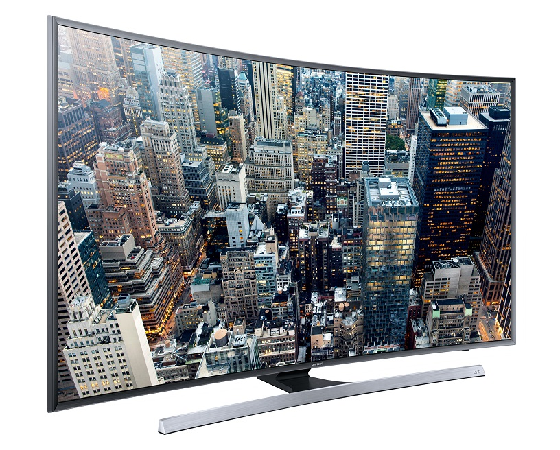 Edles Curved Design - Der Samsung Curved UHD TV JU7590 fasziniert durch sein elegantes Curved Design, das Zuschauer förmlich ins Bild eintauchen lässt.