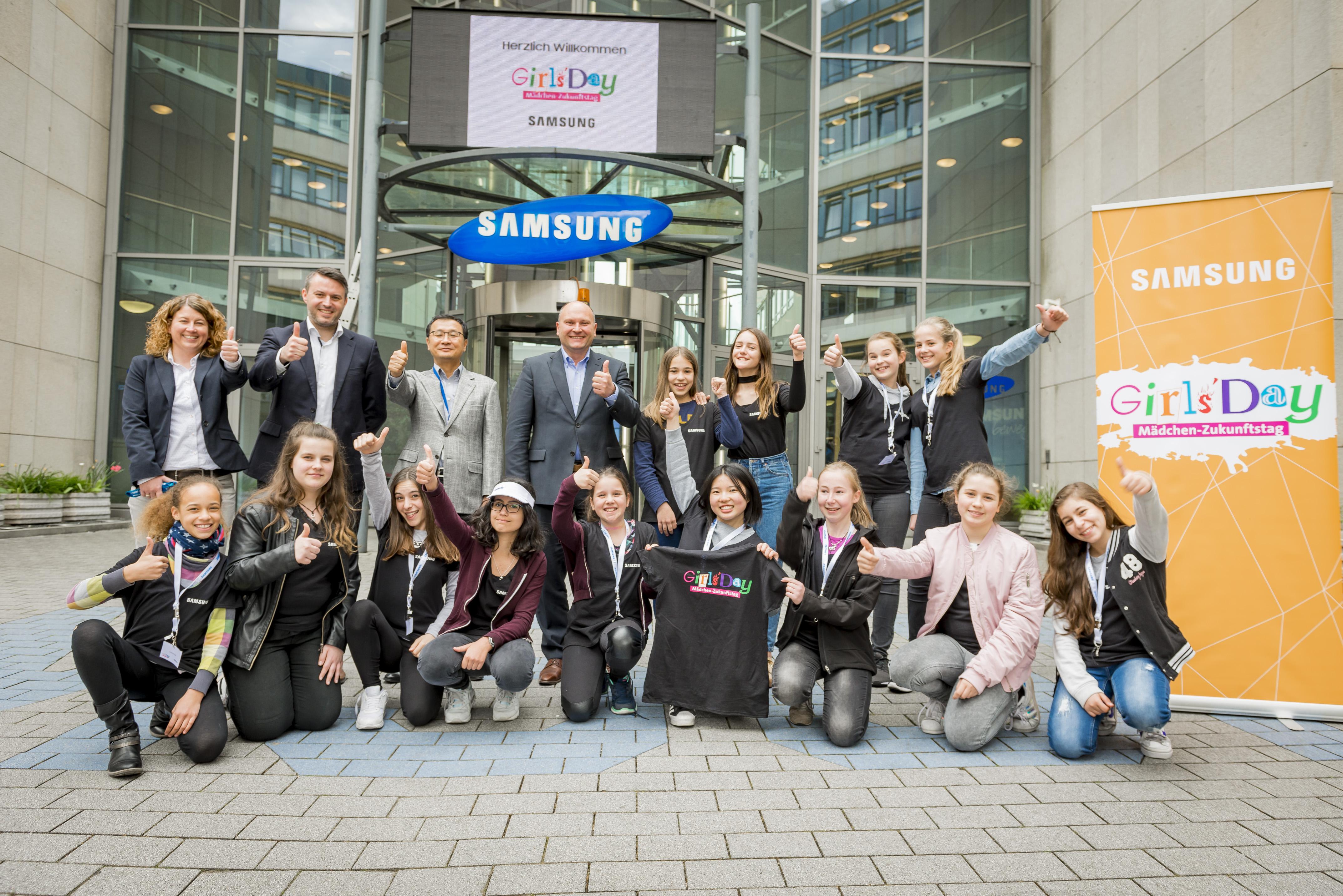 girls day 2017 samsung electronics inspiriert sch lerinnen deutschlandweit f r die spannende. Black Bedroom Furniture Sets. Home Design Ideas