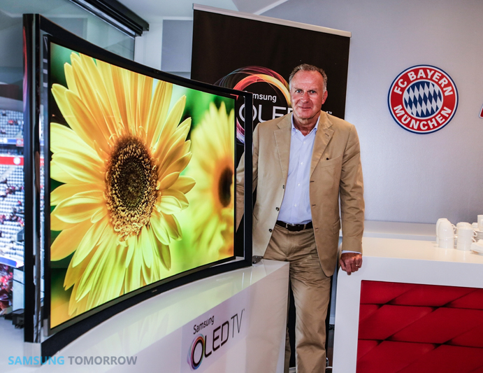 Karl Heinz Rummenigge, CEO, FC Bayern Munich, and Europe's first Samsung Curved OLED TV