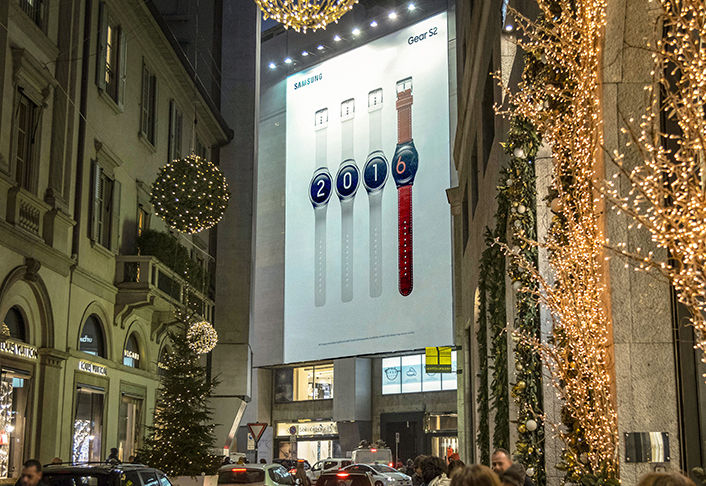 Gear S2 at the center of Italian fashion, Via Montenapoleone, where luxury brands and products are showcased in Milan.