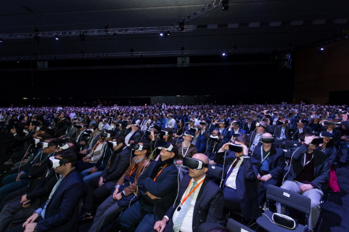 """Photo] Samsung Goes """"Beyond Barriers"""" with Most Immersive Galaxy"""