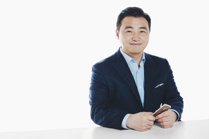Interview] Hardware R&D Executive Tae Moon Roh Discusses Samsung's