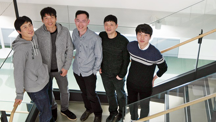 The Gear Watch Designer team (from left to right): Senior Designer Young Jae Min, Principle Designer Sang Hyun Park, Senior Engineers Moo Chang Kim and Hyung Jo Yoon and Engineer Sang Min Jung.