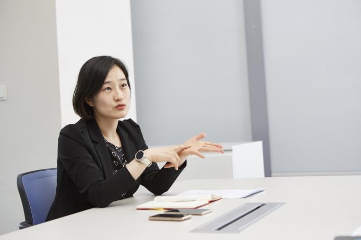 Interview_HongYoojin_Main_4
