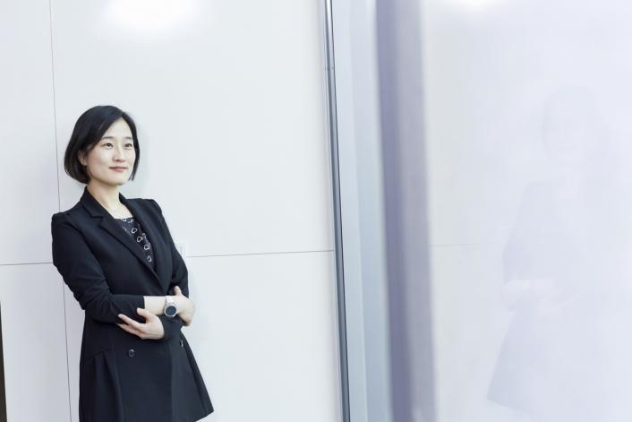 Interview_HongYoojin_Main_5