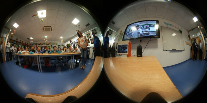 Students at the Vidigueira School listening to an introduction by a Korean student as captured by the Gear 360 virtual reality camera