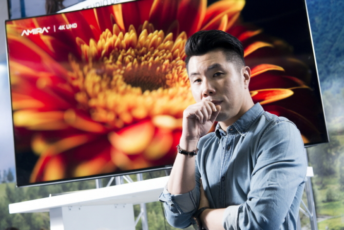 """Quantum Dot SUHD TV made calibration smooth and fun,"" said Um Tae-Sik."