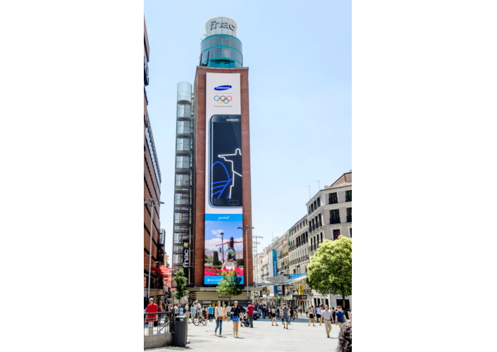 Plaza del Callao_LEDsignage_Main_2