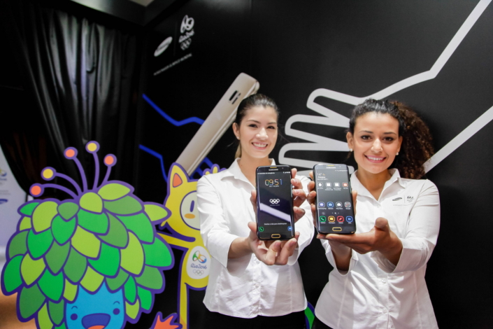 Samsung brand ambassadors showcasing Samsung Galaxy S7 edge Olympic Games Limited Edition during a Samsung event in Sao Paulo, Brazil to highlight Samsung's Rio 2016 Olympic Games initiatives.