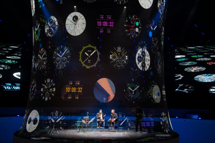 Mark Notton explains how Samsung's broad range of watch faces—which was displayed as an eye-catching hologram around the stage—lets users express their own personal style.
