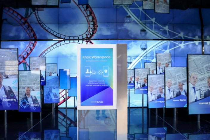 Photos of attendees are displayed in an eye-catching media show powered by Knox Workspace—a Knox-protected enterprise work container solution which separates corporate data from the personal space.