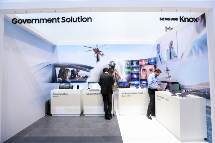 Samsung displays its latest government solutions at the Knox Booth.