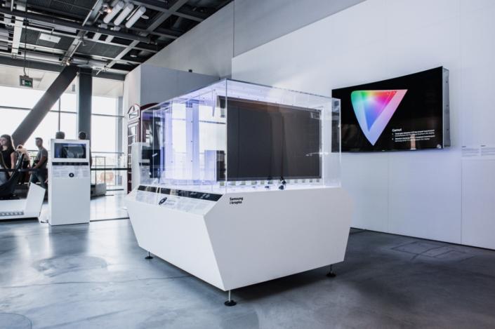 SamsungDots_Main_3