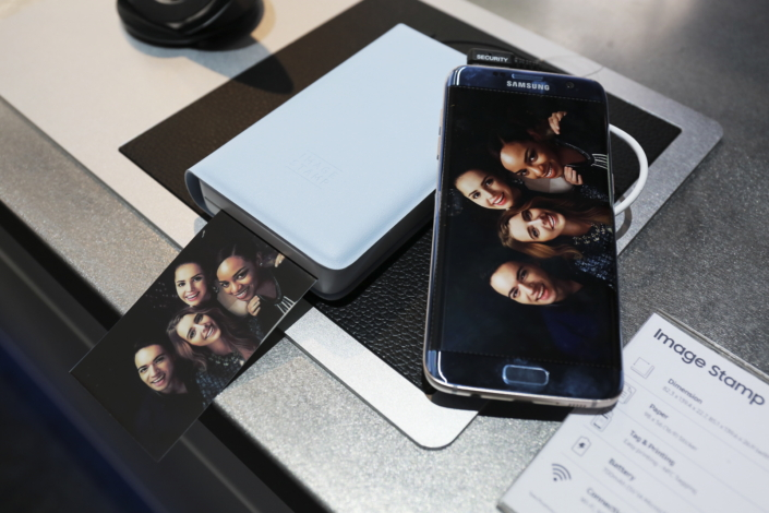 The Image Stamp Printer Allows Users To Print Photos Exactly As Theyre Depicted On Their Smartphones Screen No Cropping Required