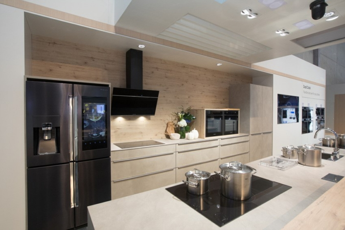 Samsungu0027s Social Kitchen Area Showcases Contemporary Kitchen Suites  Assembled With The Help Of Acclaimed European Kitchen Specialists Such As  Nolte, ...