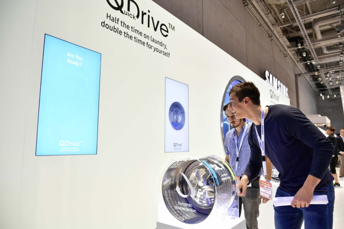 how samsung designed its quickdrive laundry technology to. Black Bedroom Furniture Sets. Home Design Ideas