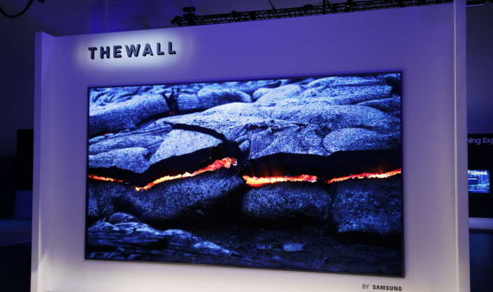 "Samsung Unveils ""The Wall,"" the World's First Modular"