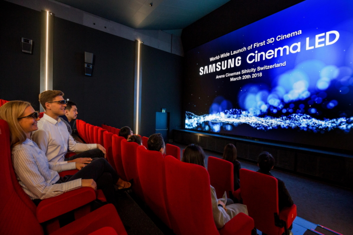 samsung debuts world s first 3d cinema led screen theater in