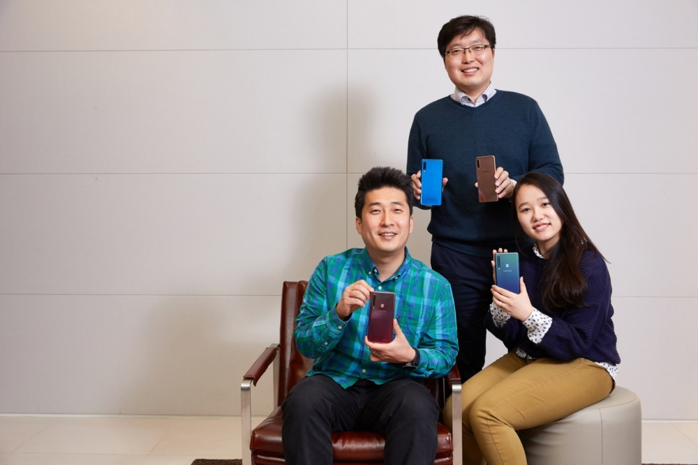 """[Interview] Developers Discuss a """"New DNA"""" for the Galaxy A Series"""