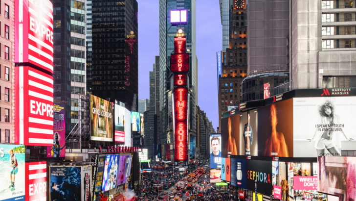Samsung Installs Momentous New Led Displays In The Heart Of New York S Times Square Samsung