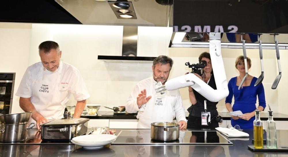 The Samsung Club des Chefs Kitchen Heats Up with AI ...