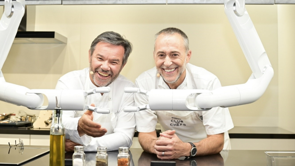 The Samsung Club des Chefs Kitchen Heats Up with AI ...