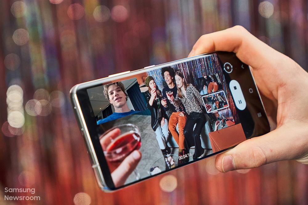 Resultado de imagem para smartphone photography augmented reality samsung