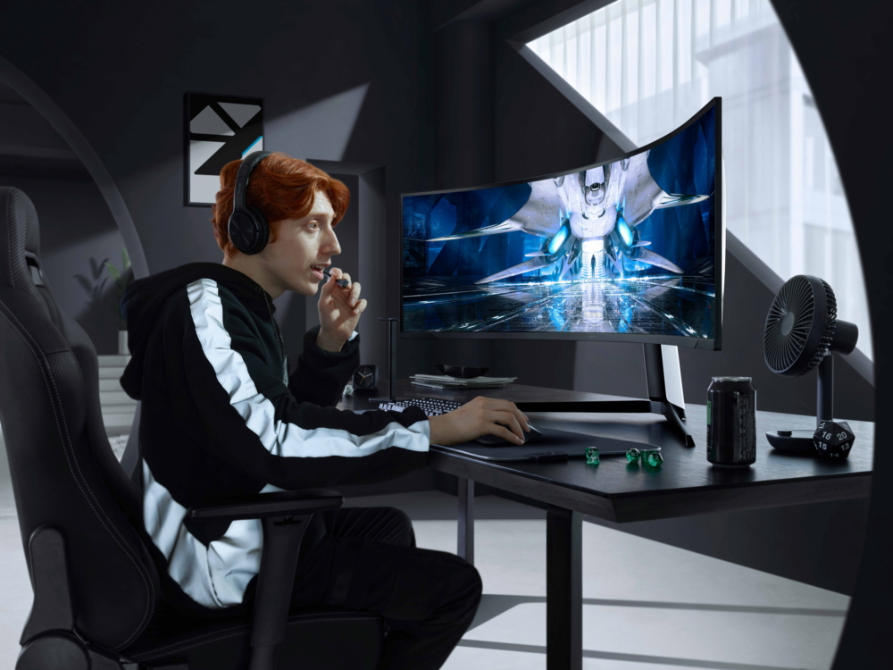 Samsung представила игровой монитор Odyssey Neo G9 на базе технологии Mini LED