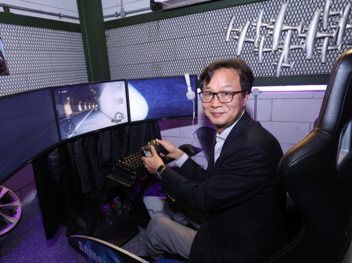 The Arrival of Samsung's First Quantum Dot Curved Gaming Monitor in Malaysia