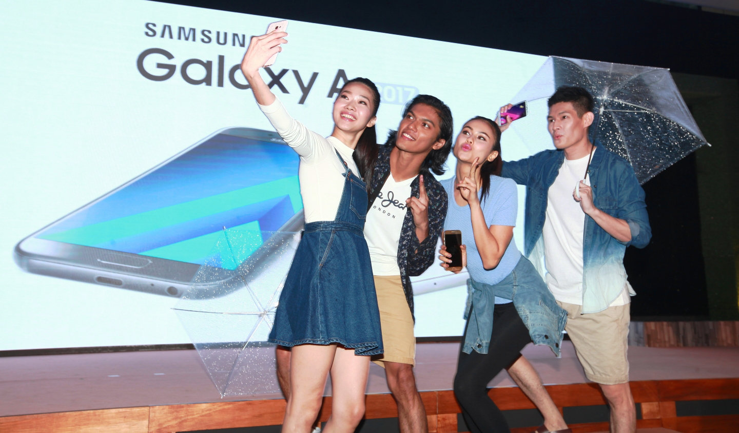 Live Unplanned with the New Samsung Galaxy A Series (2017)
