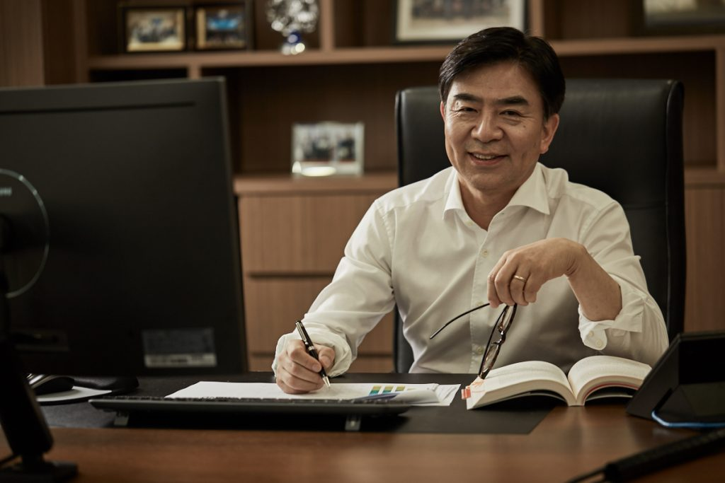 HS Kim, President and CEO of Consumer Electronics Division, Samsung Electronics