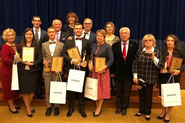 Учителя «УчимЗнаем» Samsung награждены премией «Учитель года России – 2019»