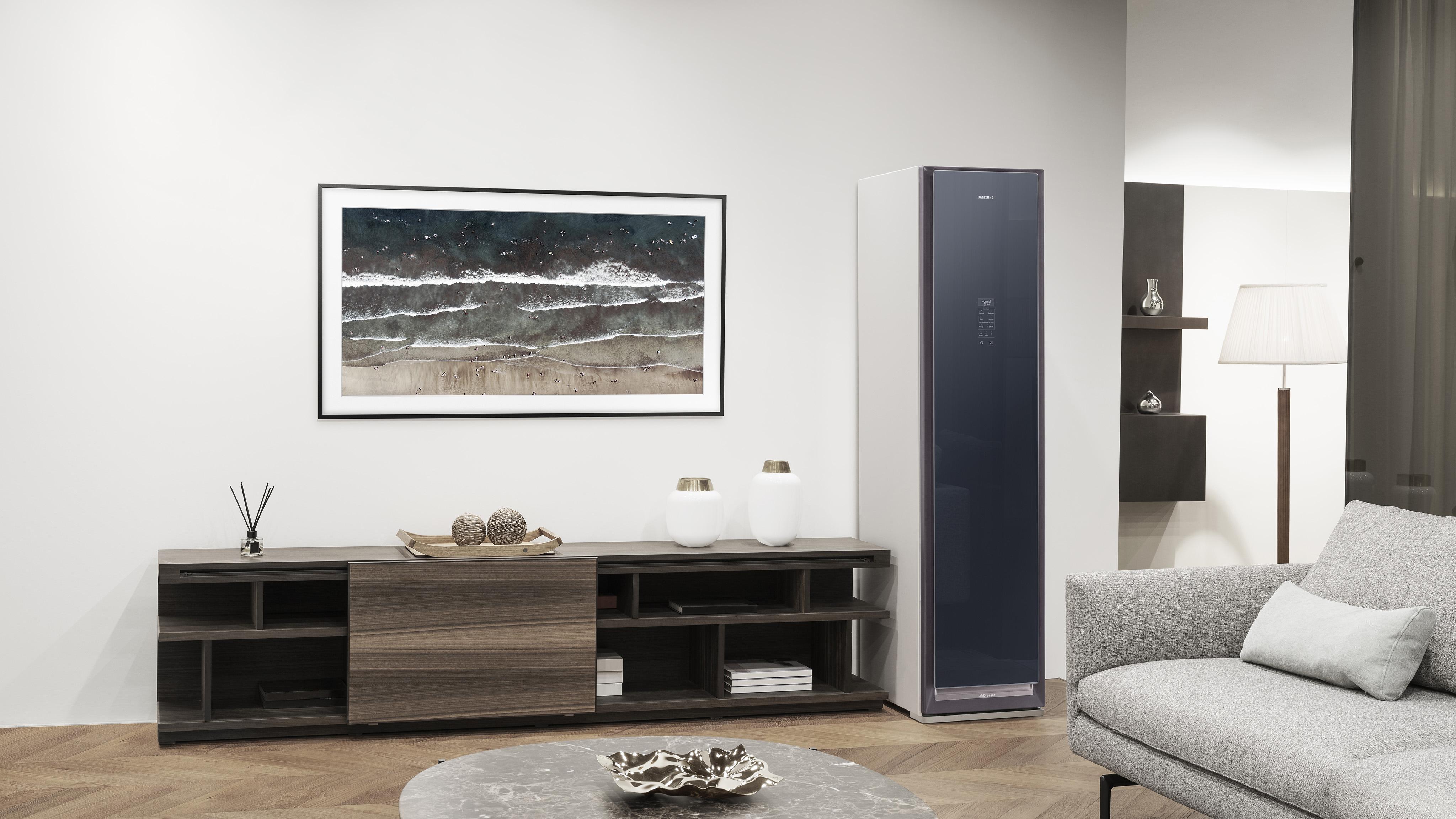 Samsung объявляет о старте продаж AirDresser