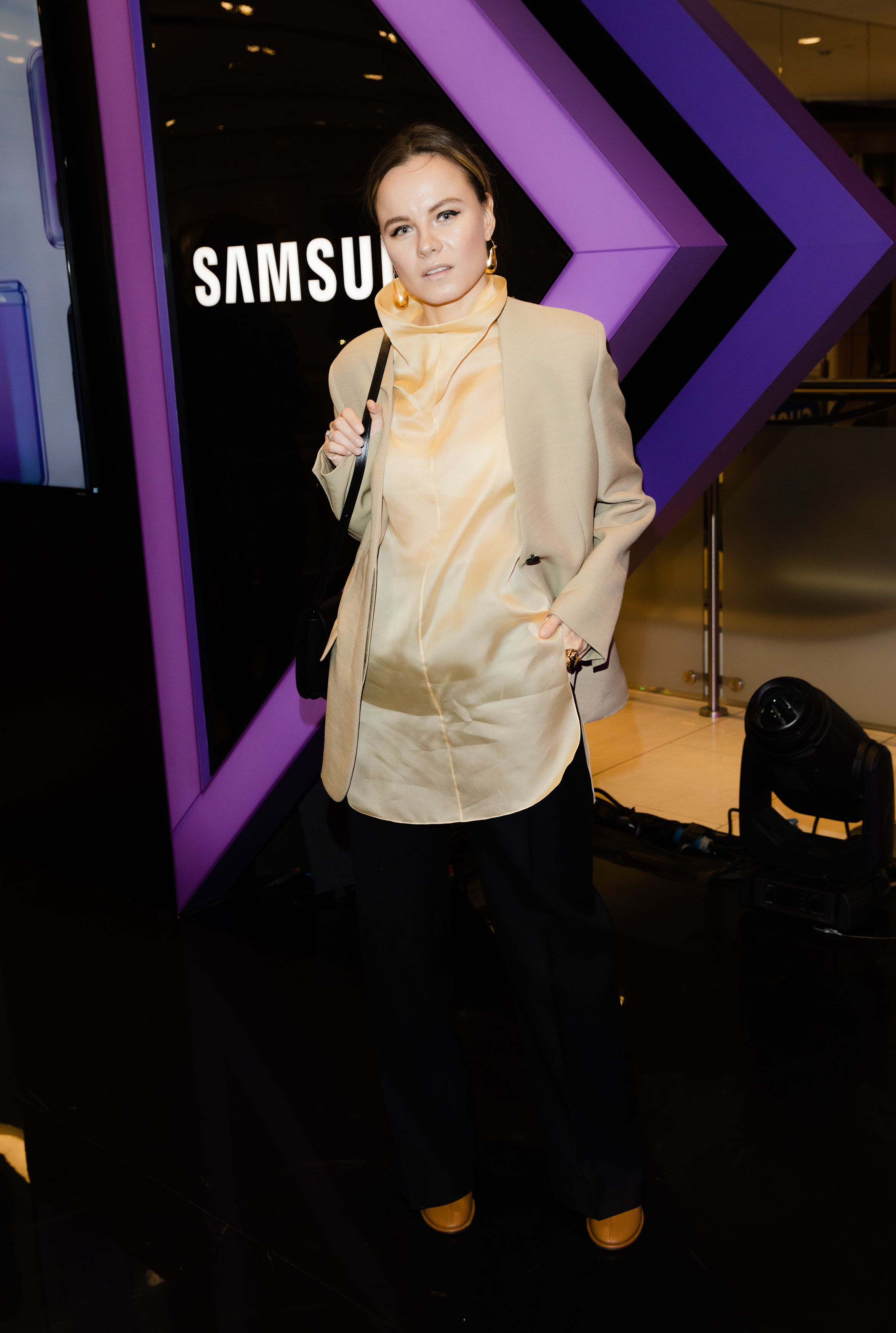#ГлавныйДропСезона: Samsung Galaxy Z Flip представлен в России