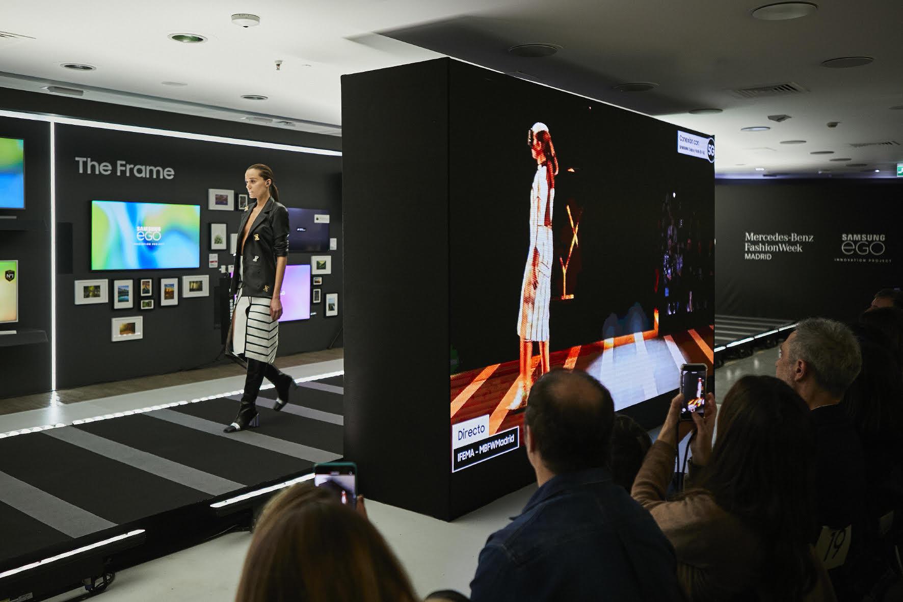 Samsung организовала модное дефиле на Mercedes-Benz Fashion Week в Мадриде