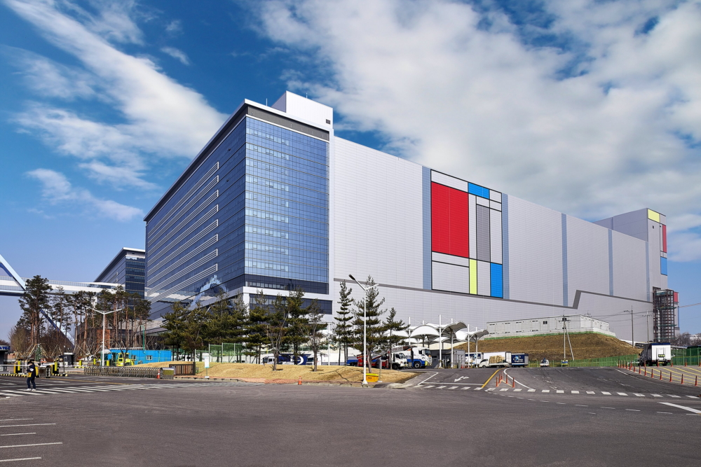 Samsung приступает к серийному производству чипов на новой EUV линии
