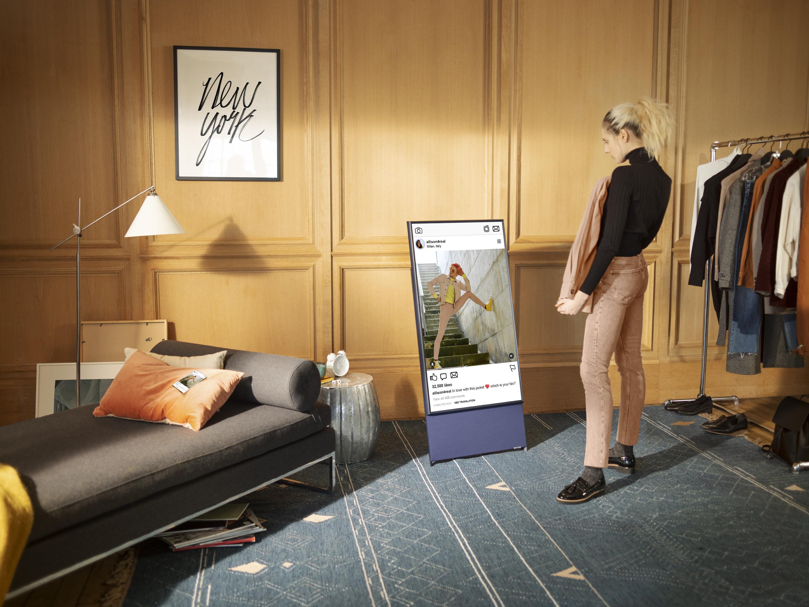 Телевизор для «мобильного поколения» The Sero поступил в продажу в России