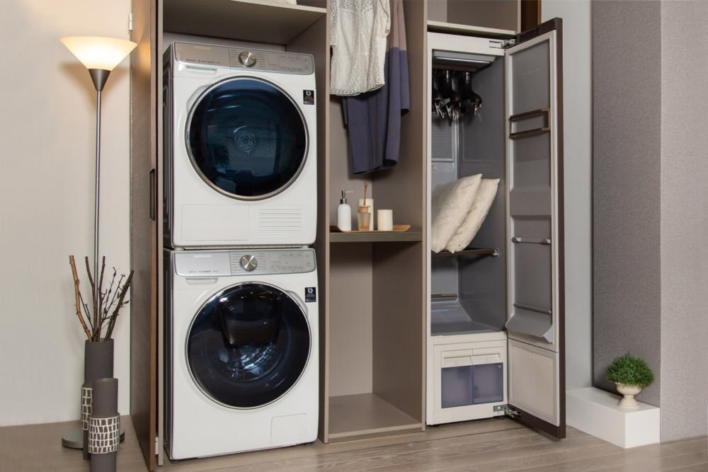 Новый взгляд на уход за одеждой: как инновационный паровой шкаф AirDresser от Samsung позволяет сохранить любимые вещи