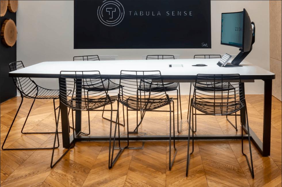 Samsung, Tabula Sense и Jabra представили hi-tech стол для онлайн-переговоров