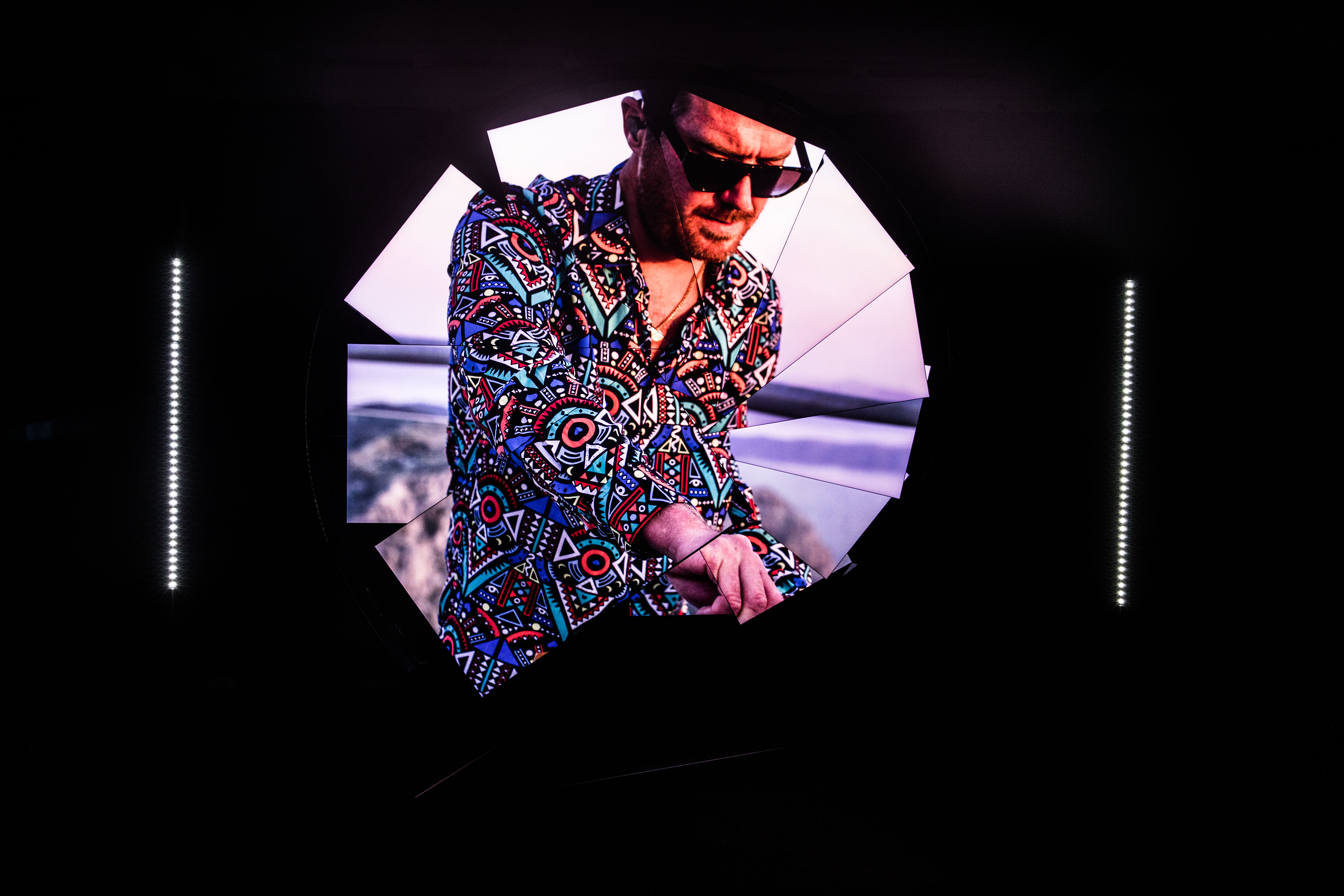 Инсталляция Samsung и Майкла Мёрфи в лондонской галерее Саатчи раскрывает возможности линейки Neo QLED